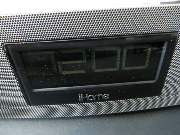 Review: iHome iBN97 Bluetooth Wireless FM Clock Radio