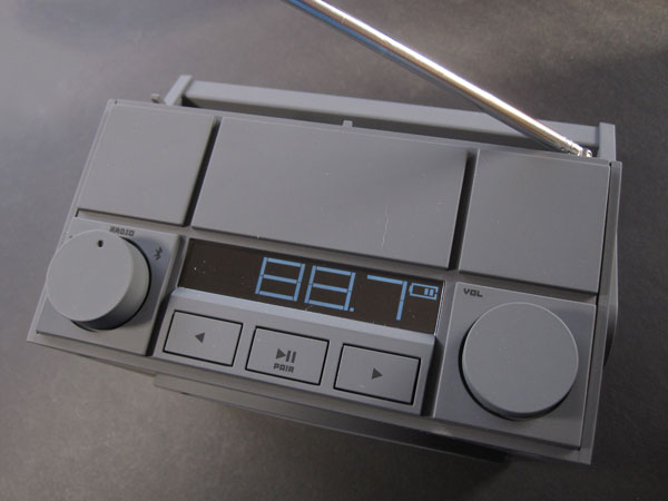 Review: iHome iBT4 Bluetooth Wireless Rechargeable Boombox with FM Radio