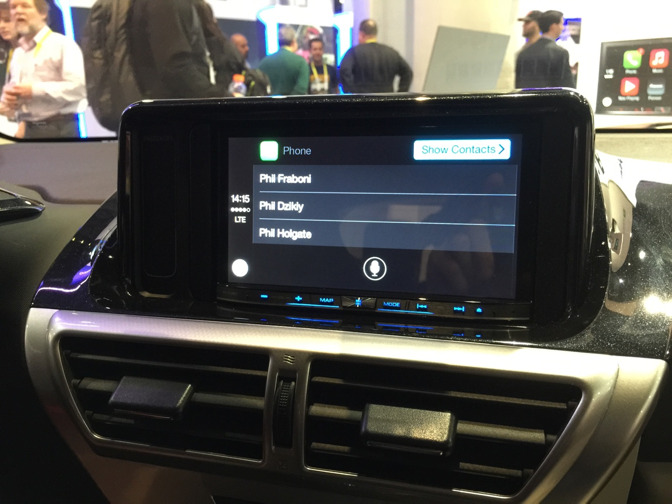 Hands-on with CarPlay at CES 2015 3