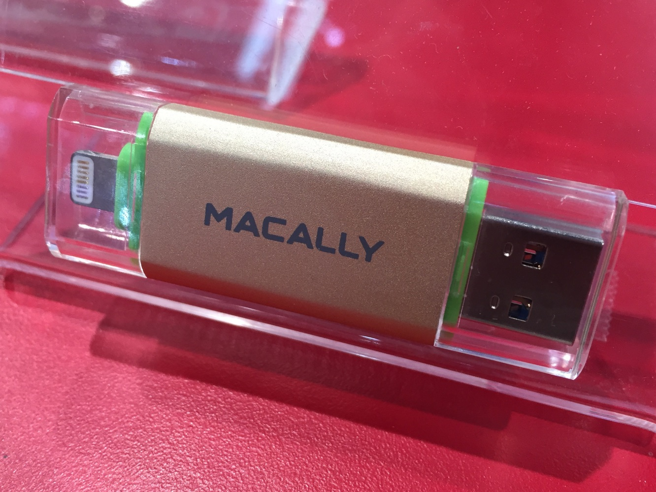 CES: CableJive, Macally + Puregear