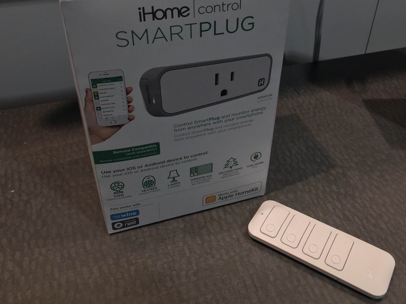 iHome unveils new SmartPlug, speakers at CES 2016