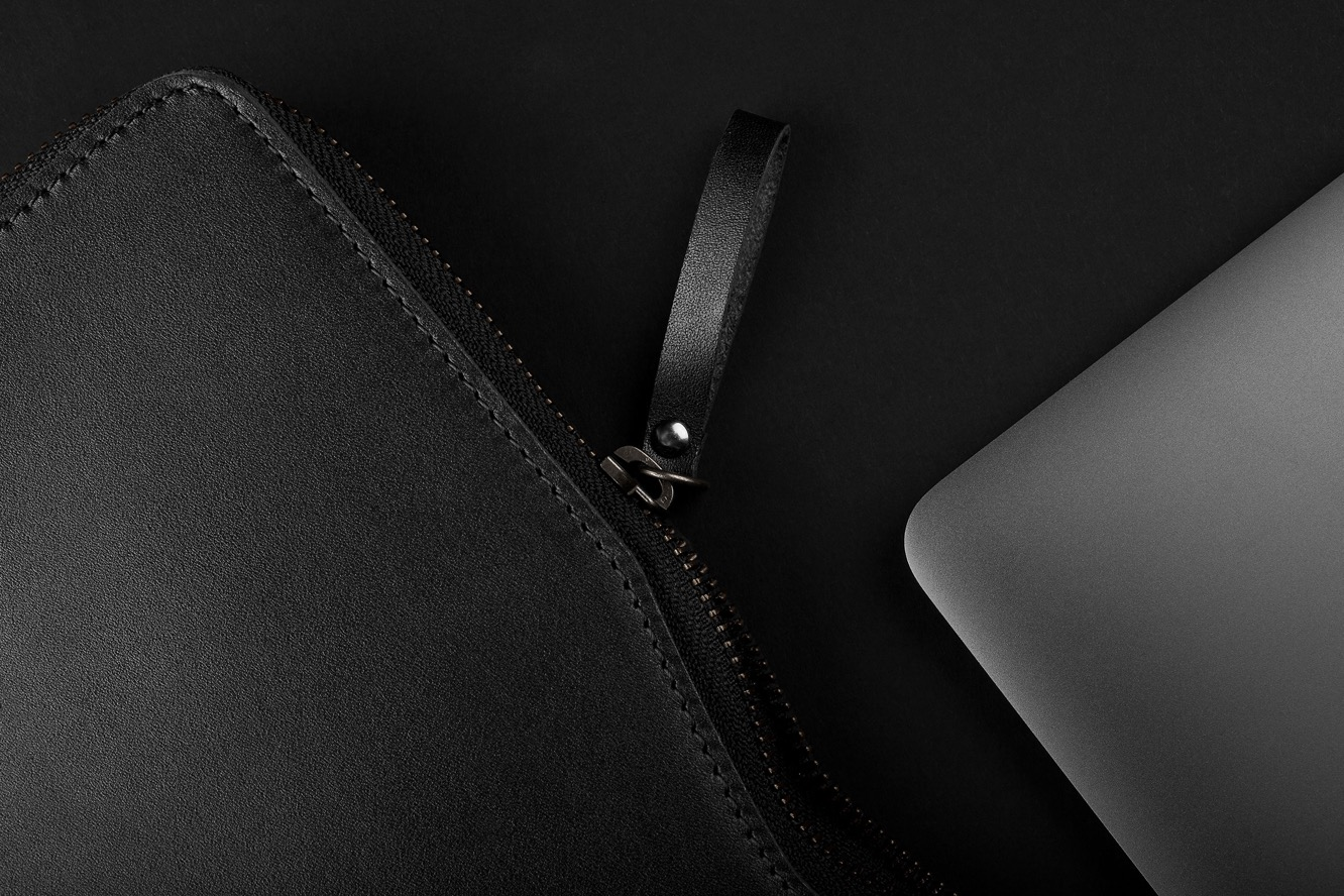 Mujjo Folio Sleeve for 13″ Macbook Air and MacBook Pro
