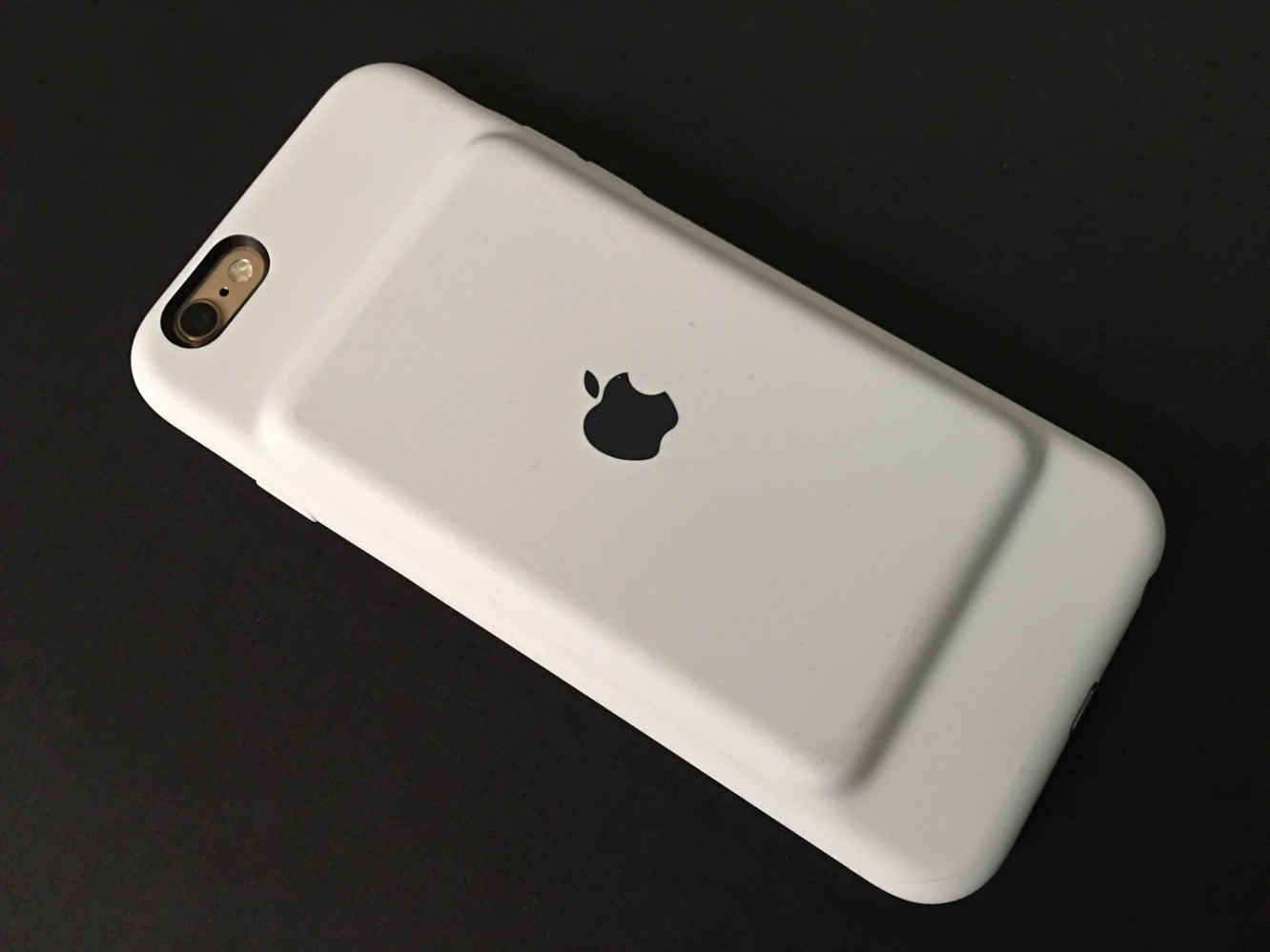 Review: Apple iPhone 6s Smart Battery Case 1