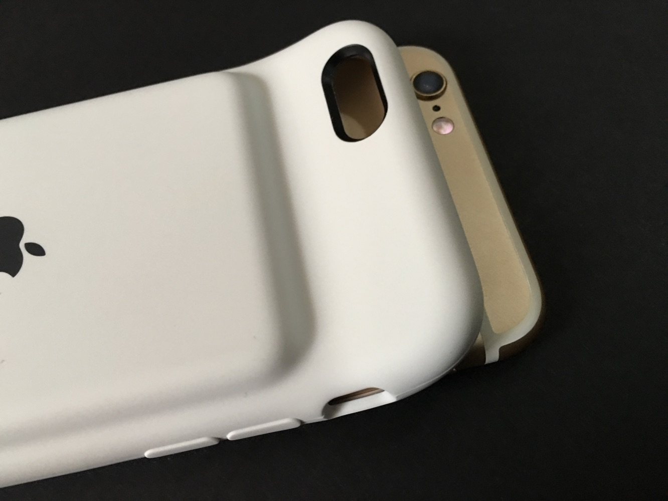 Review: Apple iPhone 6s Smart Battery Case 3