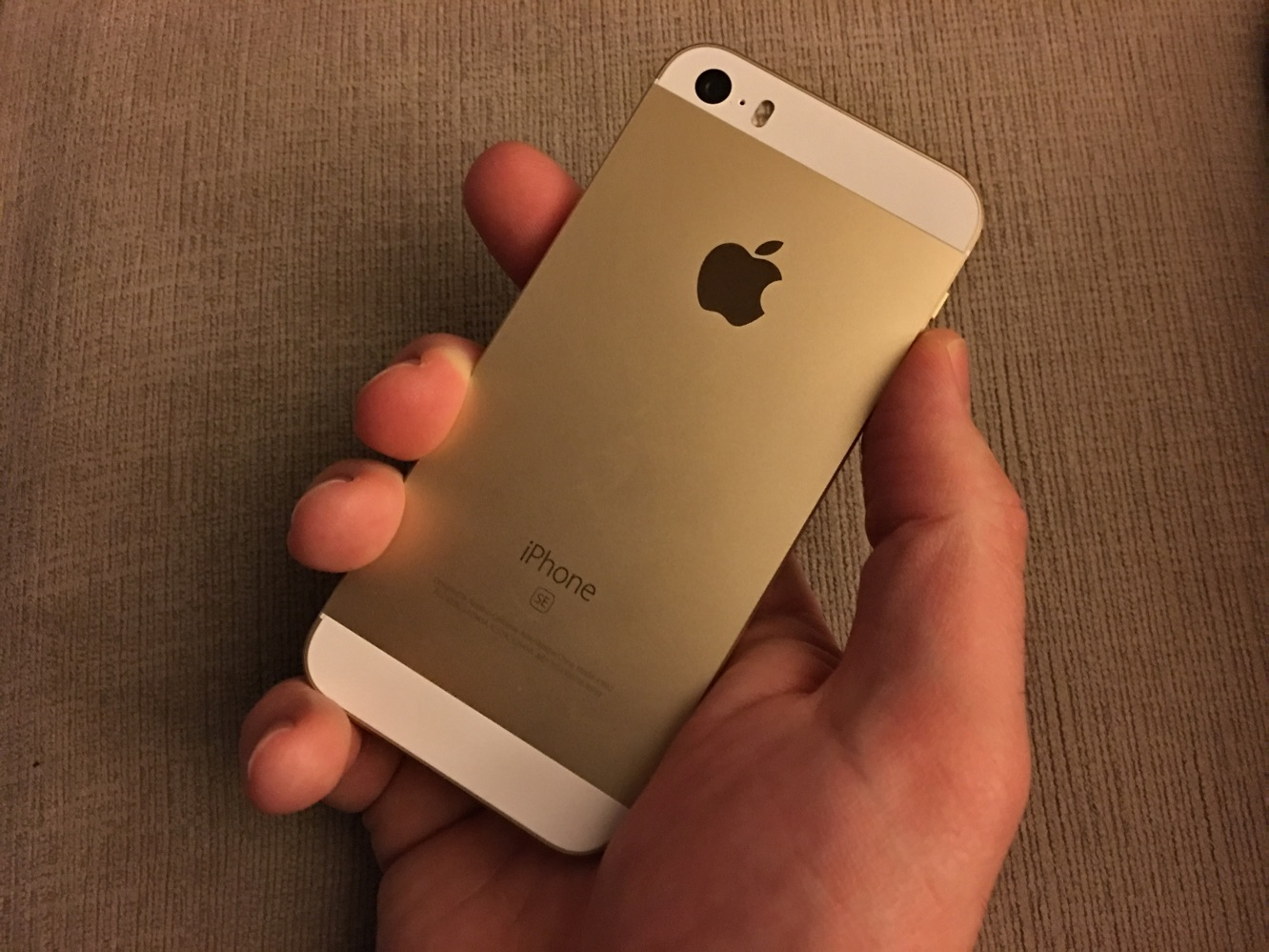 News: Apple plans to begin iPhone manufacturing in India starting with the iPhone SE