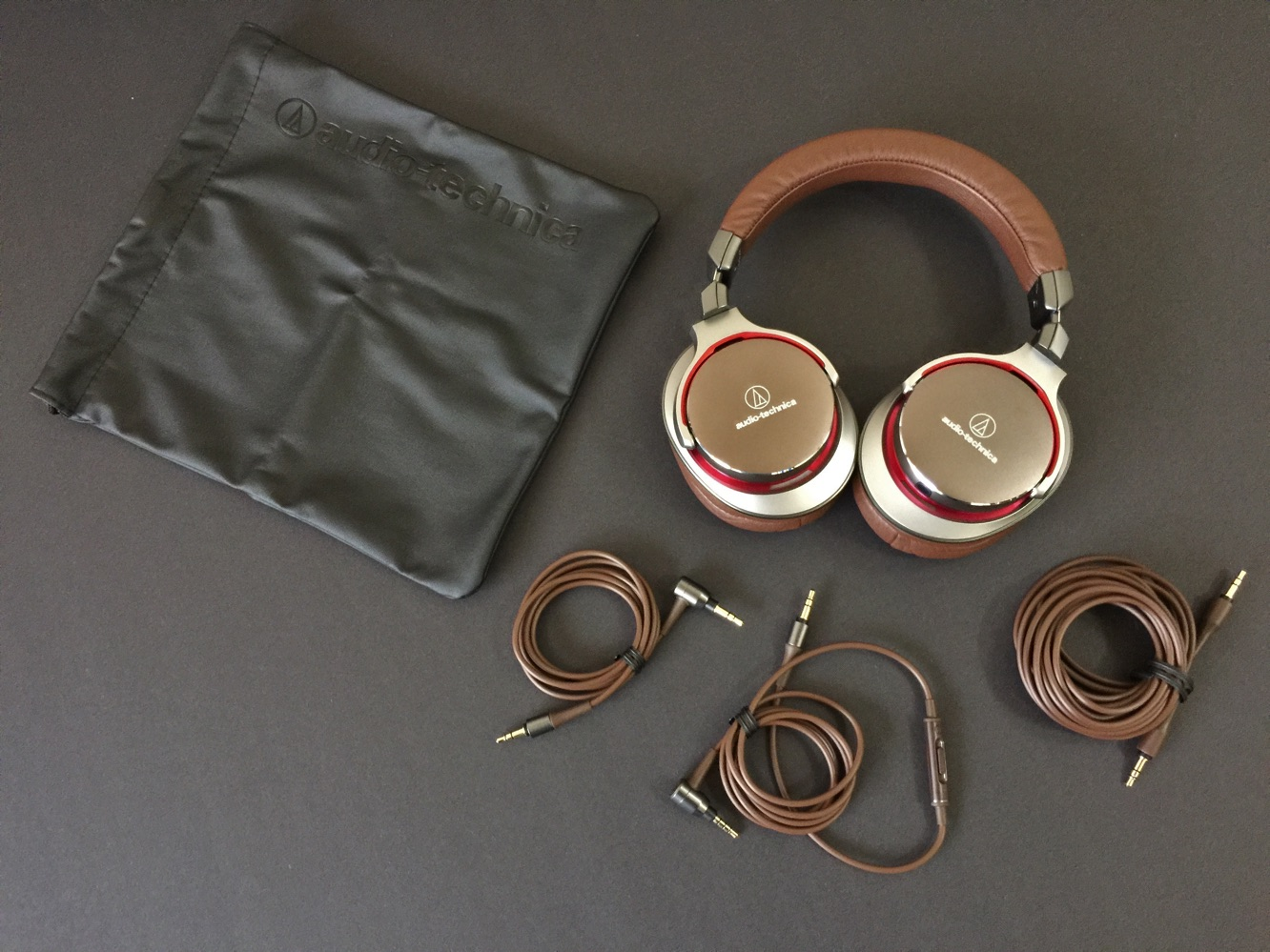 Review: Audio-Technica ATH-MSR7 SonicPro Over-Ear Headphones 3