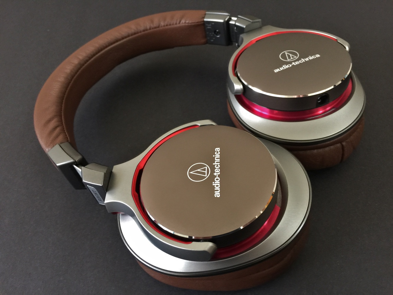 Review: Audio-Technica ATH-MSR7 SonicPro Over-Ear Headphones 1
