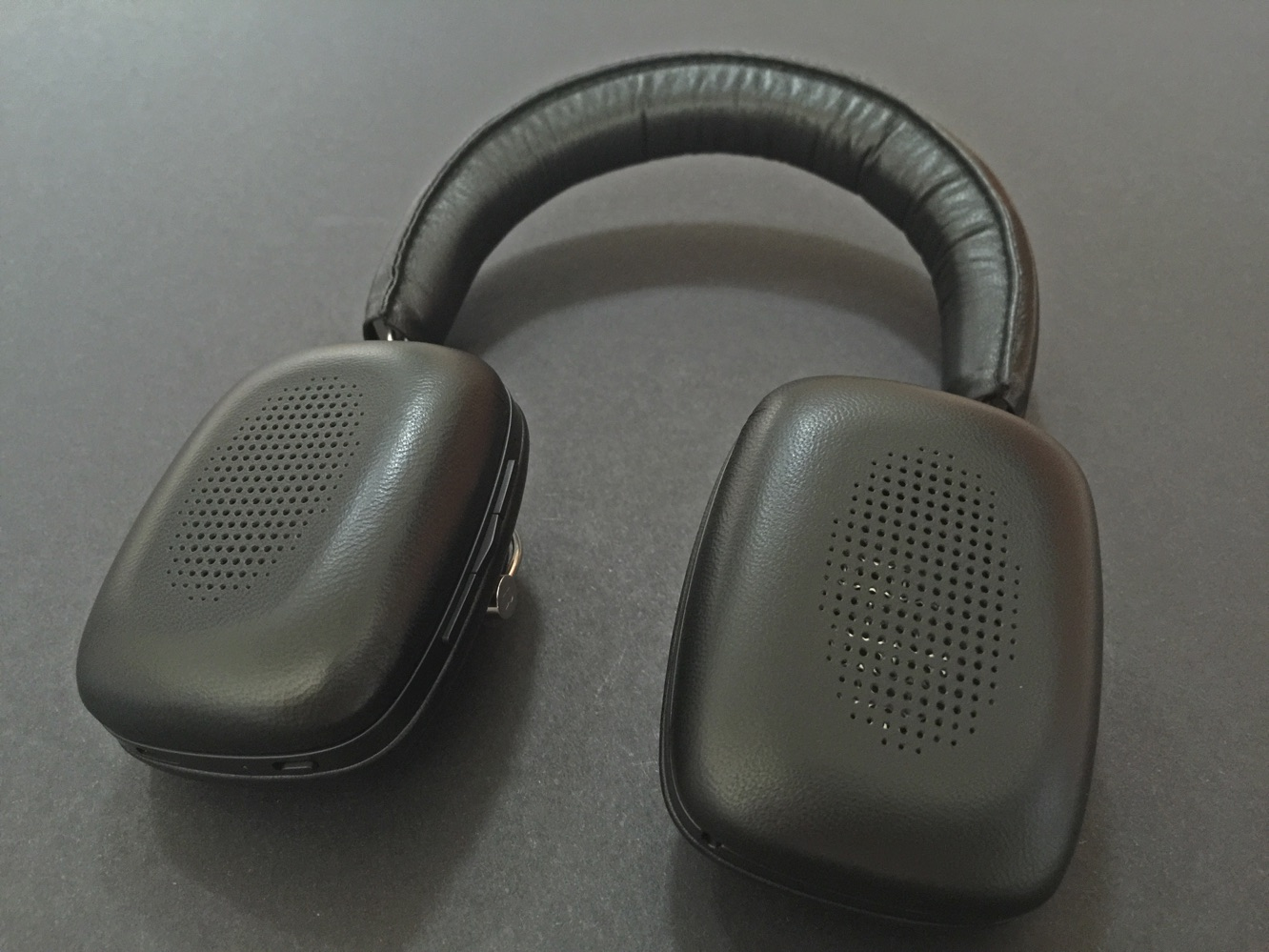 Review: Bowers & Wilkins P5 Wireless Headphones