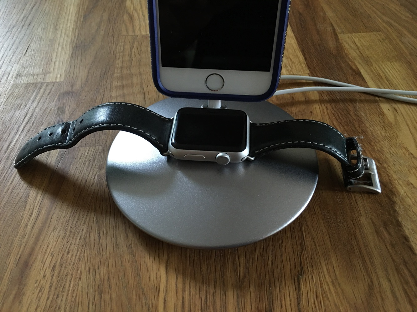 Review: Defined Corp Dome Stand for Apple Watch and iPhone