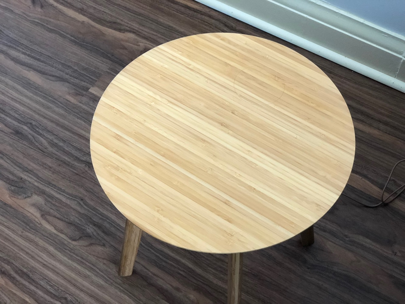 Review: FurniQi Wireless Charging Side Table
