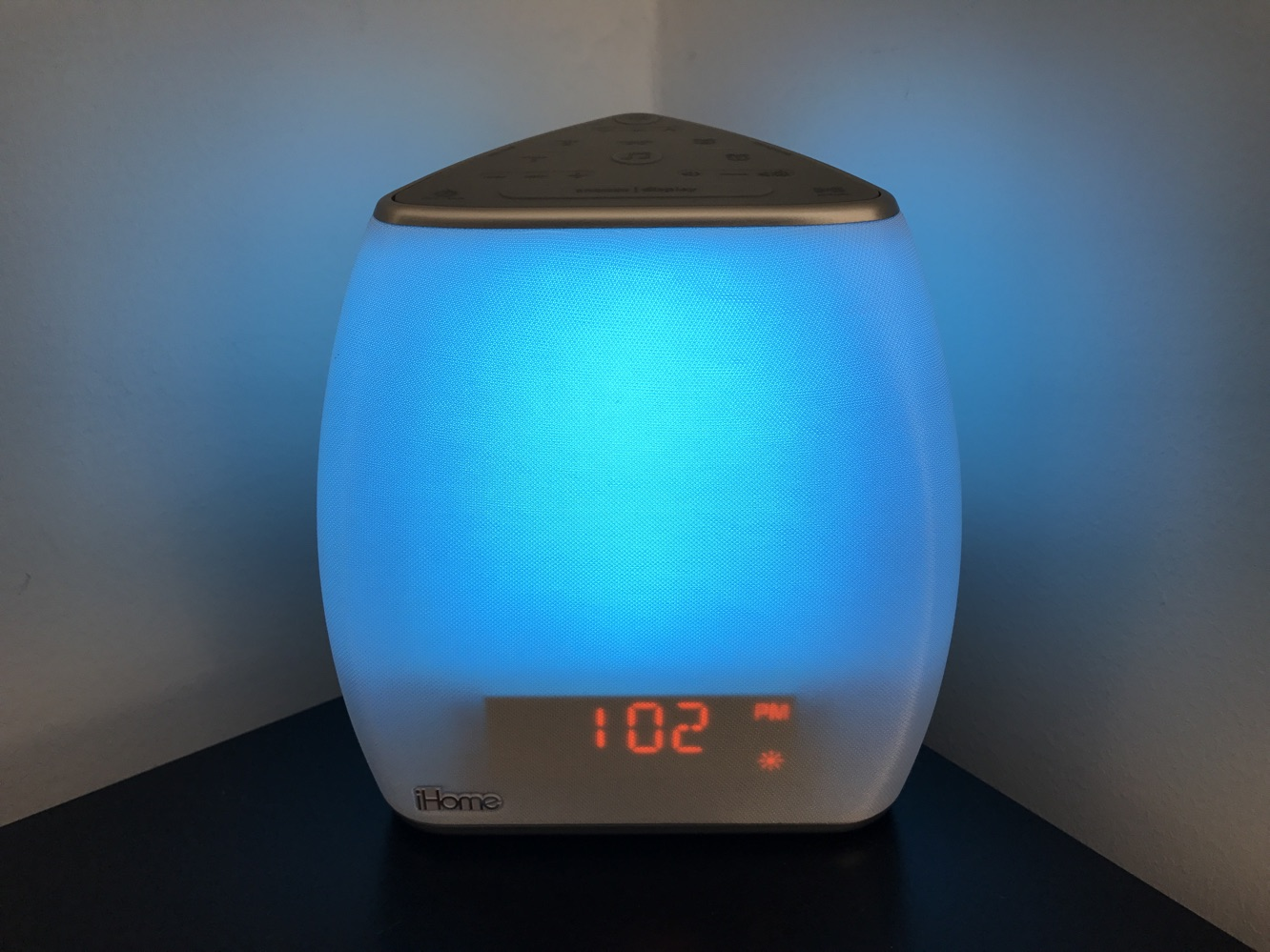 Review: iHome iZBT10 Zenergy Bedside Sleep Therapy Speaker