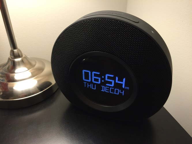 It s one of the most attractive clock radios we ve seen  and if you tend to  listen to music in the bedroom  Horizon s strong sound will. Review  JBL Horizon Bluetooth Clock Radio   iLounge