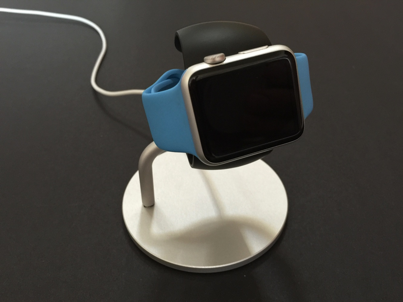 Review: Just Mobile Lounge Dock for Apple Watch