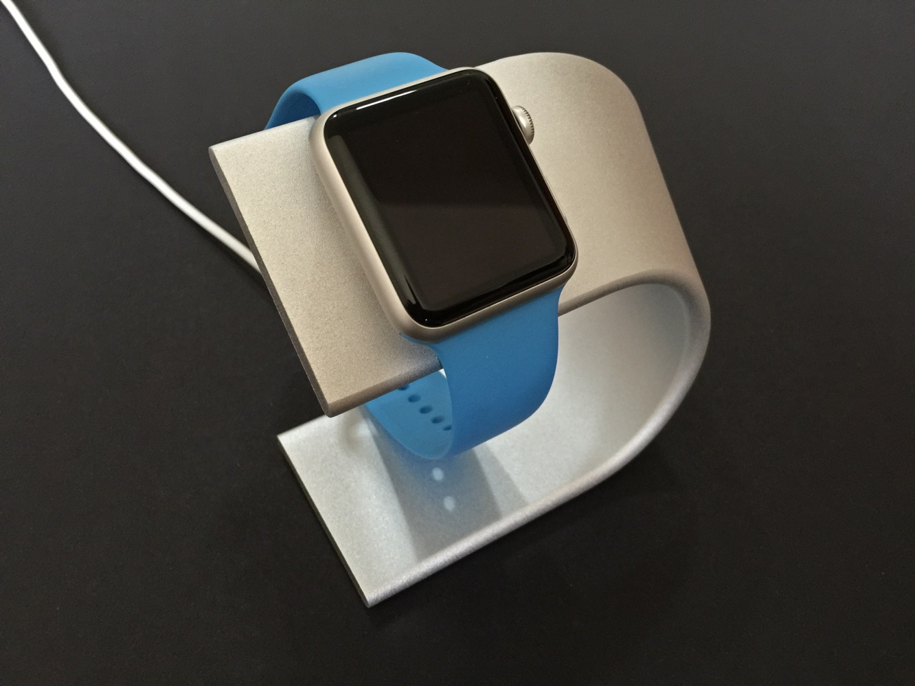 Review: Nomad Stand for Apple Watch 5