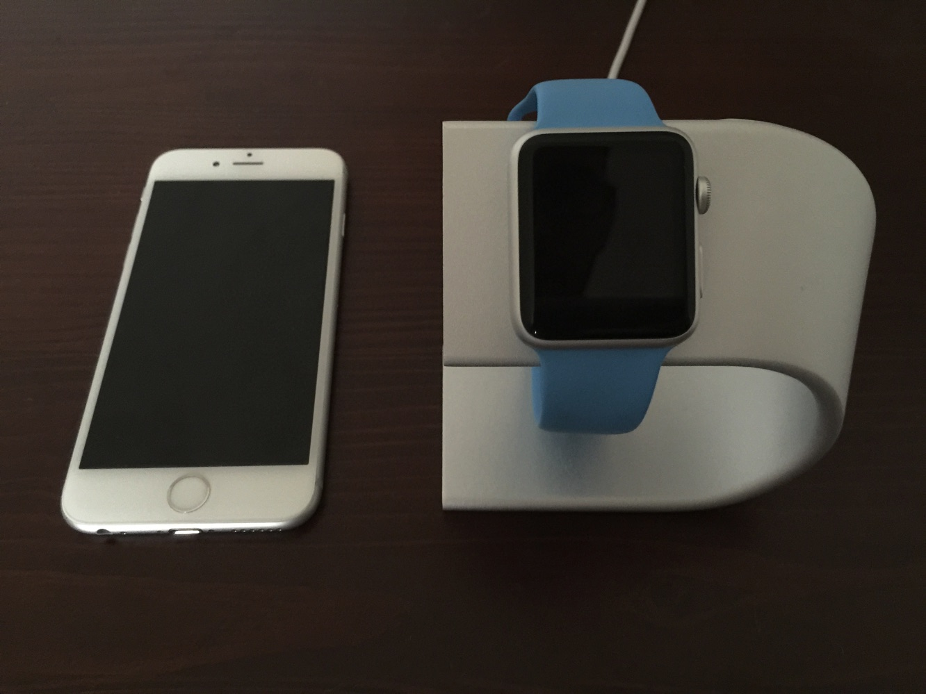 Review: Nomad Stand for Apple Watch 6