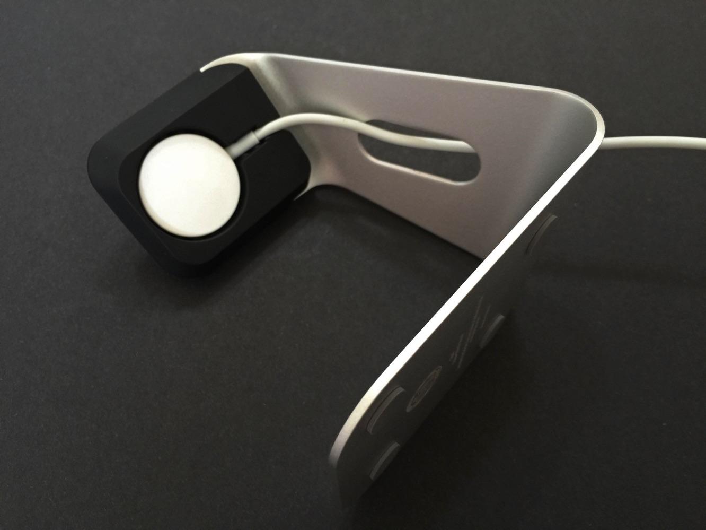 Review: Spigen Apple Watch Stand S330 3