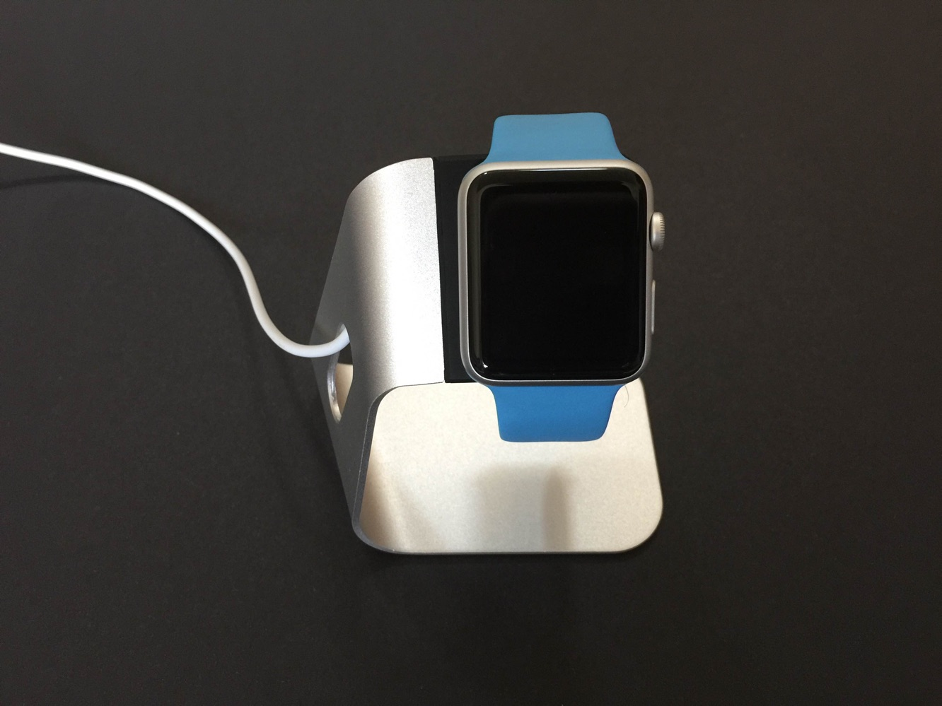 Review: Spigen Apple Watch Stand S330