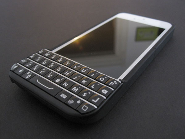 Typo fined $860,000 for violating BlackBerry injunction 1