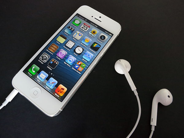 Review: Apple iPhone 5 (16GB/32GB/64GB) 1