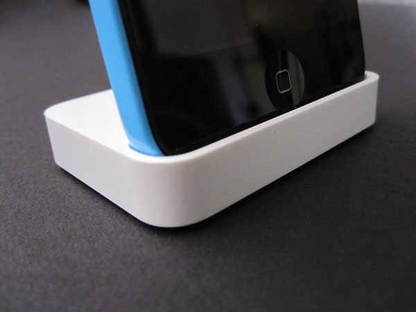 Review: Apple iPhone 5c Dock