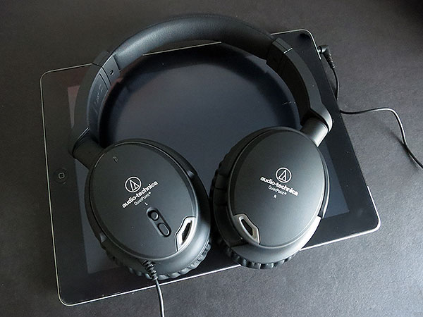 Review: Audio-Technica ATH-ANC9 QuietPoint Active Noise-Cancelling Headphones 1