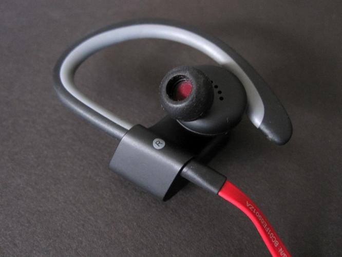 Review: Beats Powerbeats2 Wireless 5