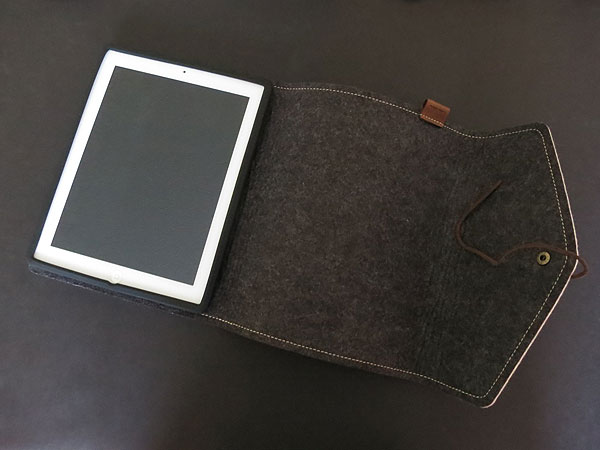 Review: Cooler Master Afrino + Bizet Folios for iPad 2/iPad (3rd-Gen)