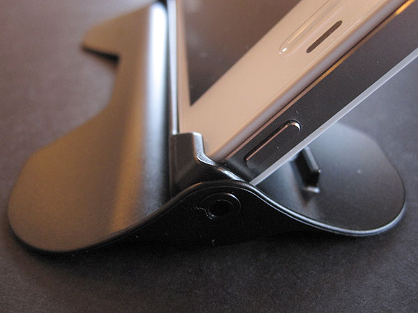 First Look: HammersStone Products iKlik Multi-Angle Viewing Stand for iPhone 4/4S