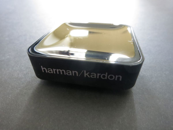 harman kardon bta 10. when powered up, bta 10 automatically enters pairing mode with an led on top showing its status. once paired and playing music there\u0027s harman kardon bta t