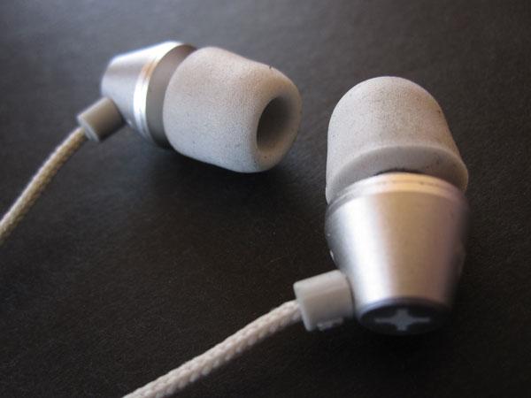 First Look: id America Metropolitan Aluminum In-Ear Headphones with Remote/Mic