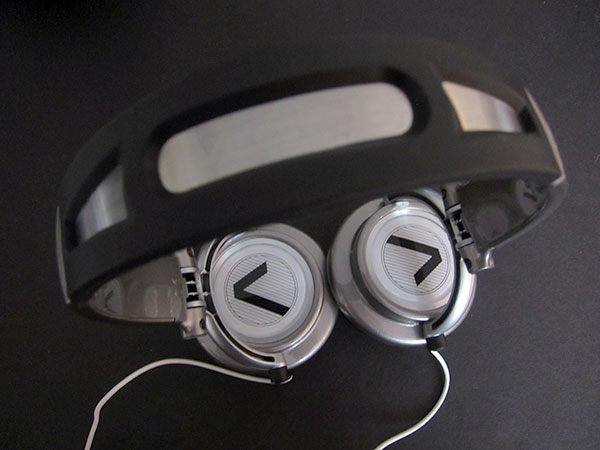 Preview: iFrogz Timbre Pro + Vertex Headphones