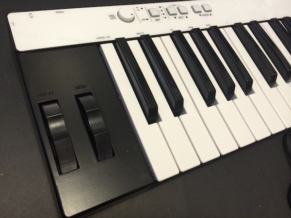 Review: IK Multimedia iRig Keys Pro 4