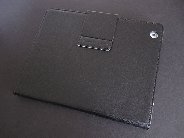 First Look: iLuv iCC831 Ulster + iCC834 Great Jeans for iPad 2/iPad (3rd-Gen)