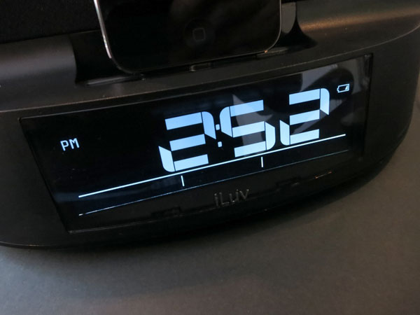 Review: iLuv TimeShaker Dual Alarm Clock Speaker with Bed Shaker and Lightning Dock