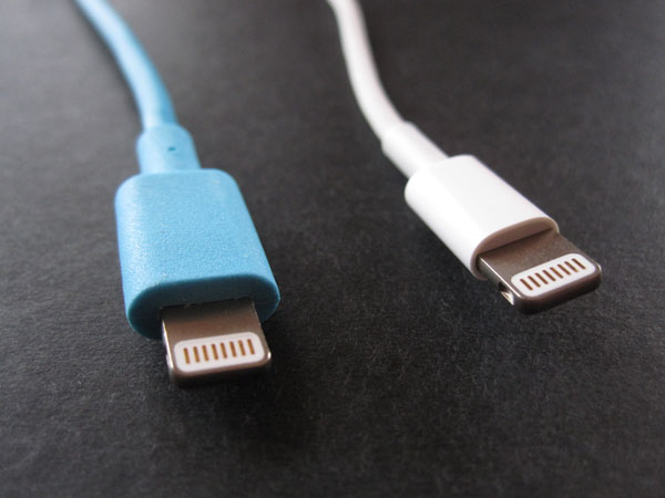 "Review: Incase 6"" Sync and Charge Lightning to USB Cable"