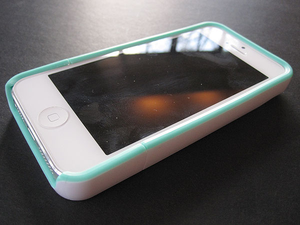 Review: Incipio Stashback for iPhone 5 3