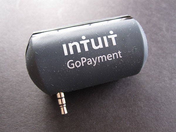 First Look: Intuit GoPayment Card Reader