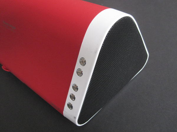 Review: iWalk Sound Angle Portable Bluetooth Speaker 4