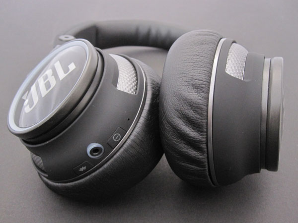 Review: JBL Synchros S400BT Bluetooth Wireless Headphones