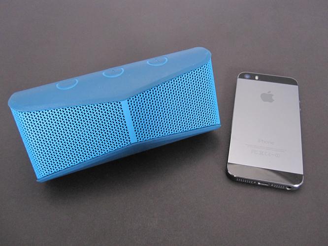 Review: Logitech X300 Mobile Wireless Stereo Speaker 1