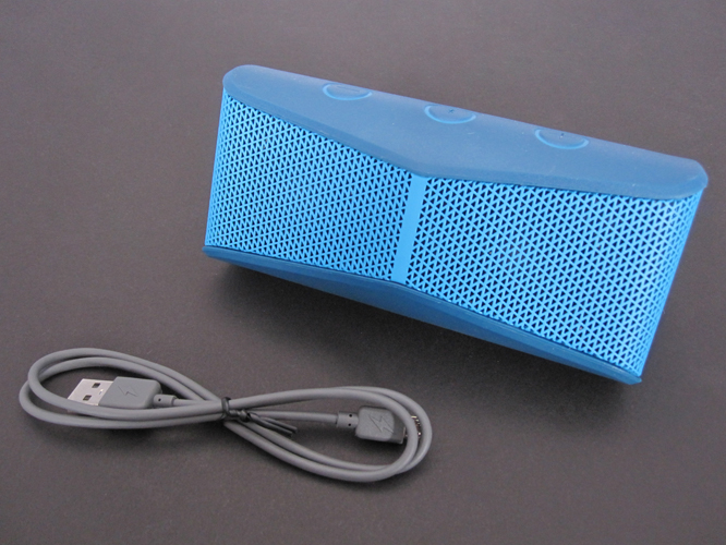 Review: Logitech X300 Mobile Wireless Stereo Speaker 3