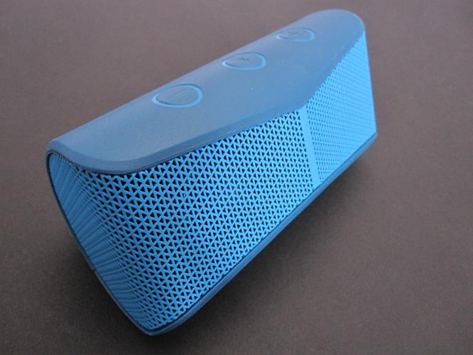Review: Logitech X300 Mobile Wireless Stereo Speaker 4