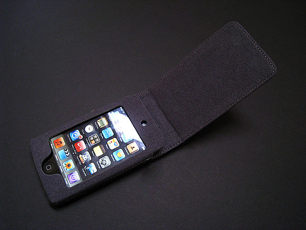Review: Marware C.E.O. Flip Vue for iPhone 3G and iPod touch 2G