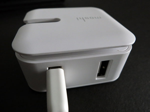 Review: Moshi Rewind Dual-Port Power Adapter for iPad, iPhone + iPod