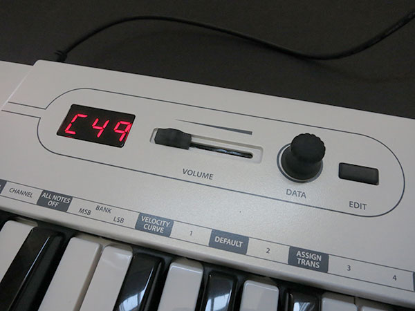 Review: Samson Carbon 49 USB MIDI Controller