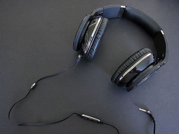 Review: Scosche Realm RH1056m Reference Grade Headphones 6
