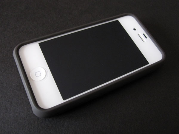 First Look: Speck Fitted Woody for iPhone 4/4S