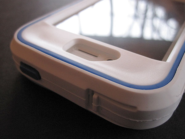 Review: Speck MightyVault for iPhone 4/4S