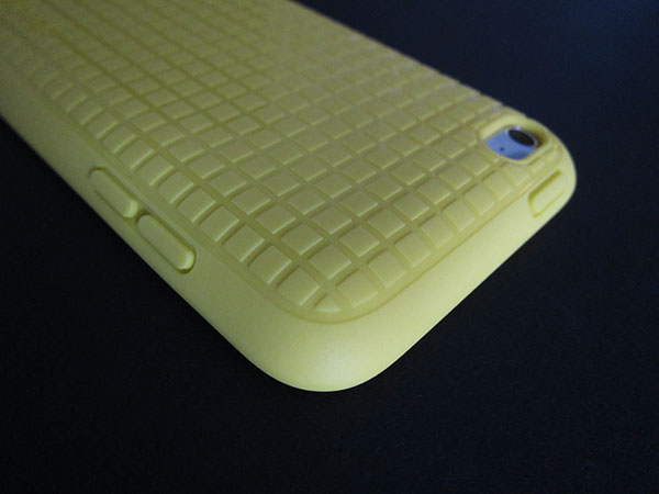 First Look: Speck PixelSkin HD for iPod touch 4G