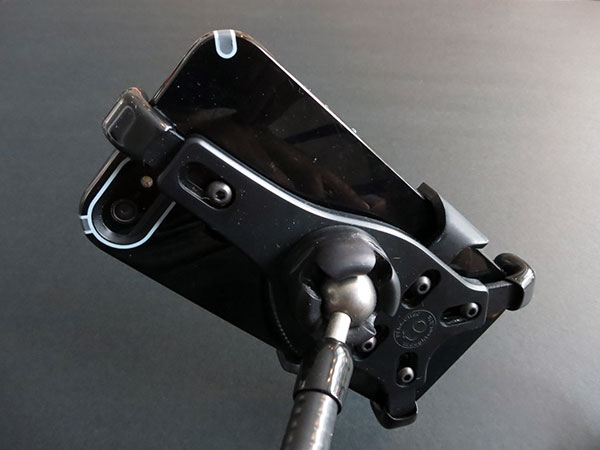 Review: Thought Out PED4 Coil CH50 Flexible Gooseneck Mount for iPhone